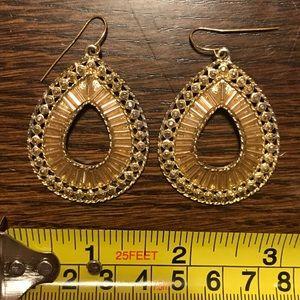Jewelry - Gold tear drop earrings.